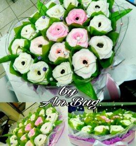 Сердце из цветов и конфет