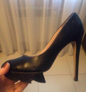 Кожаные туфли 38 р