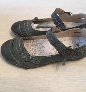 Туфли новые bata