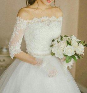 Новое свадебное платье 42-44разм.