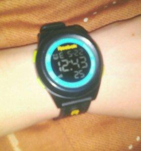 Часы Reebok