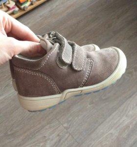 Демисезонные замшевые ботиночки