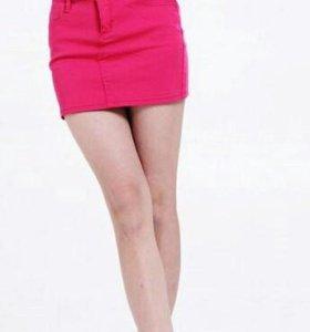 Модные мини-юбки размера XS-S.