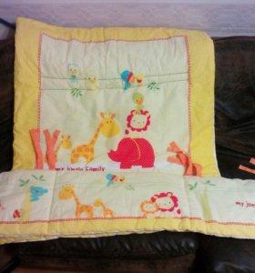 Бортик в кроватку и одеяло фирмы Mothercare