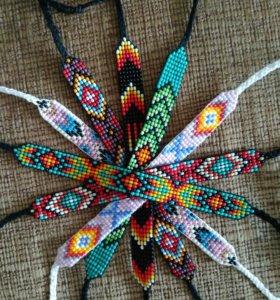 Фенечки из бисера в этническом стиле.
