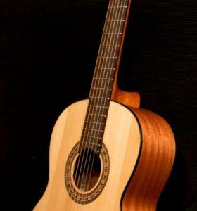 Гитара Cremona( Strunal)