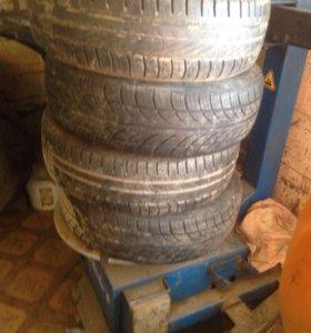 Продам шины гудики:размер 195 /65 r15 износ 30%