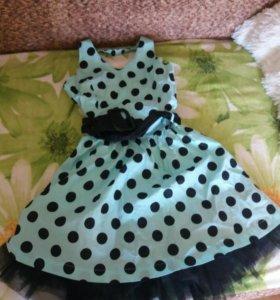 Платье для девочкт
