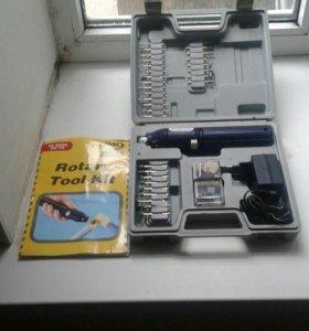 Монтажный строительный пистолет и шлифовальный наб