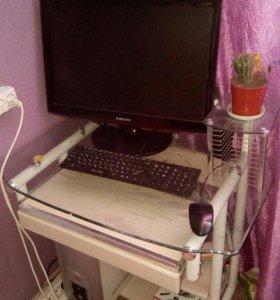 Стол компьютерный ( стекло)