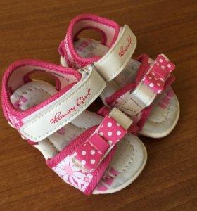 Новые сандали детские
