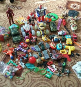 Разные игрушки.