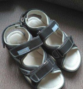 Новые сандали Antilopa 33 размер