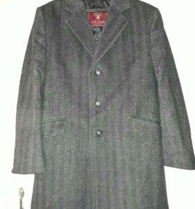 Пальто немецкое новое