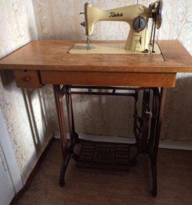 Продам швейную машину Tikka
