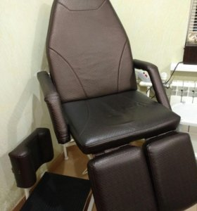 Педикюрное кресло с подставкой