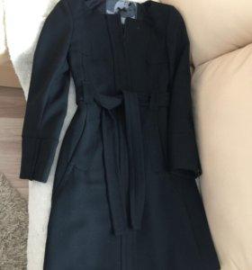 Легкое итальянское пальто