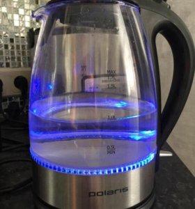 Чайник мало б/у Polaris с подсветкой