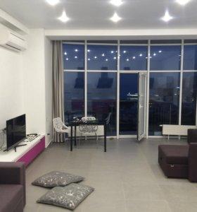 Продам видовую квартиру в центре Ялты