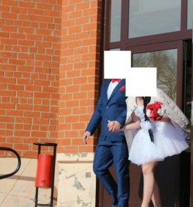Продаю свадебное, современное,платье и туфли!