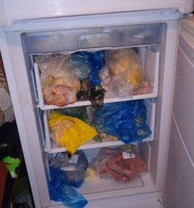Холодильник,работает только морозильная камера