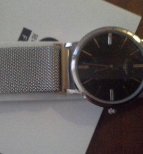 Часы мужские тонкие