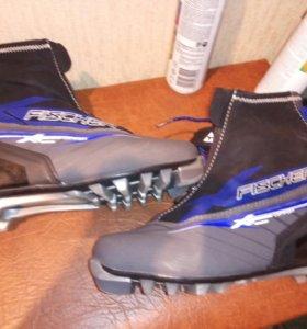 Лыжные ботинки.39