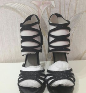 НОВЫЕ туфли от Guess