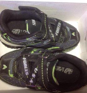 Новые кроссовки для мальчика, 23 размера