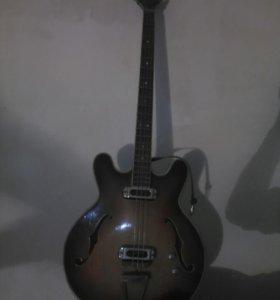 Профессиональные Басовые 2 электро гитары..