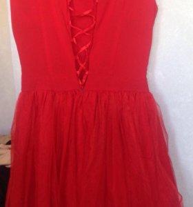 Платье пышное б/у