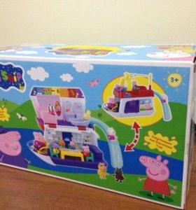 Кораблик-дом с мебелью Свинки Пеппы