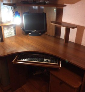 Продам компьютерный письменный столик