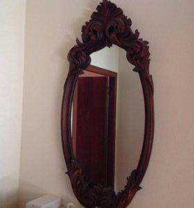 Зеркало в деревянной раме ручной работы