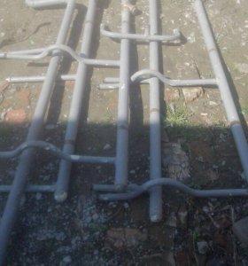 Трубы с кранами на отопление