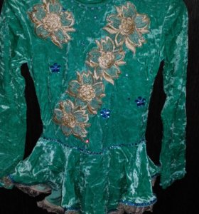 Платье на девочку для фигурного катания