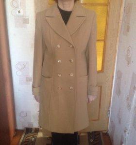 Продам пальто,отличного качества,драповое,(46)