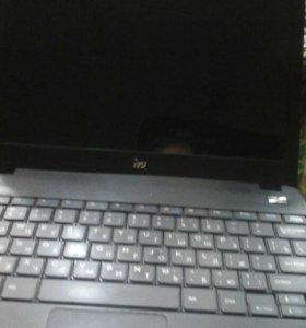 Продам ноутбук на запчасти iru