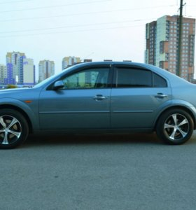 Ford Mondeo 3 2001 1.8MT