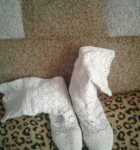 Летние плетеные сапожки и замшевые туфли