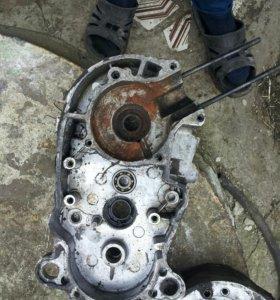 Половинки двигателя