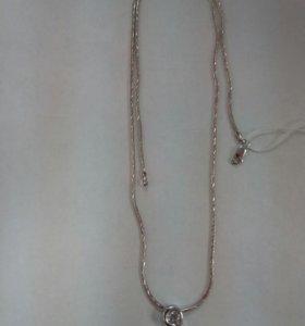 Серебряная цепочка и подвеска