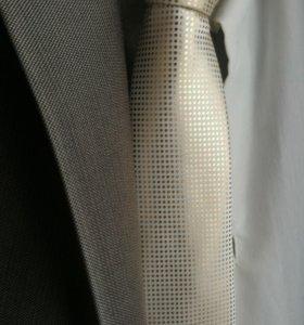 Костюм мужской, размер 44 - 46, к нему рубашка и г