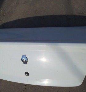 Крышка багажника на Рено Логан