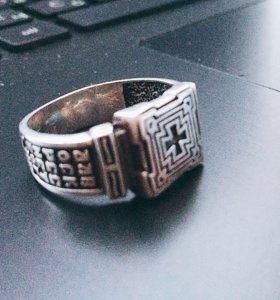 Кольцо мужское,серебренное.