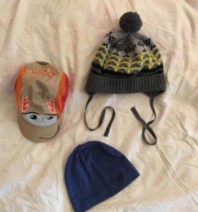 Набор шапок на мальчика