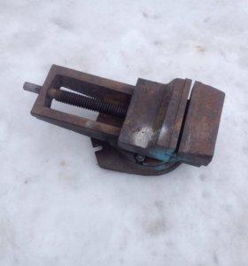 Продам станочные поворотные тиски 160 мм