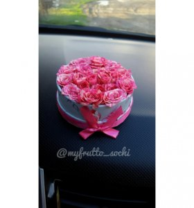 Цветы в подарочной коробочке