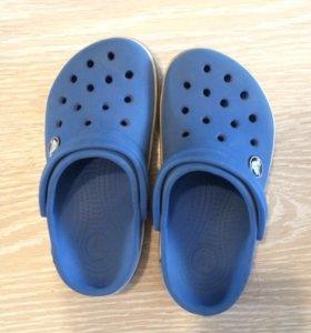 Crocs 10-11