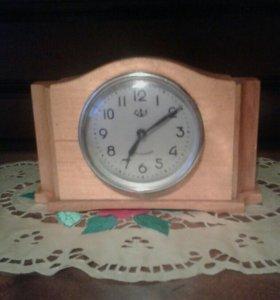 Часы советских времен.